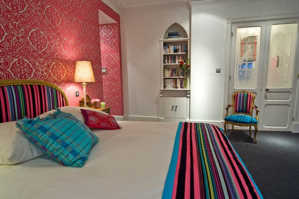 Large-and-Colouful-House-on-Portland-Road-in-London-11