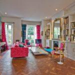 Ubundancia de colores en el diseño interior de una casa en Londres