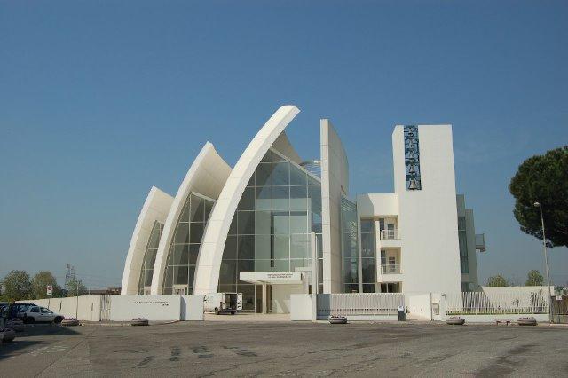 iglesias-raras-018
