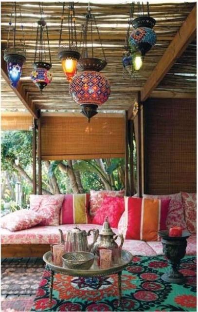 37 dise os para la decoraci n de patios de casas estilo for Decoracion para patios interiores