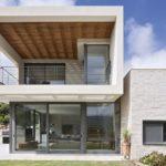 Moderna vivienda en Israel, con amplios espacios abiertos.