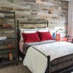 Habitaciones con impresionantes paredes de madera reciclada