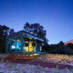 Casa de vacaciones contruida enteramente de cristal y metal ubicada en Nueva Zelanda